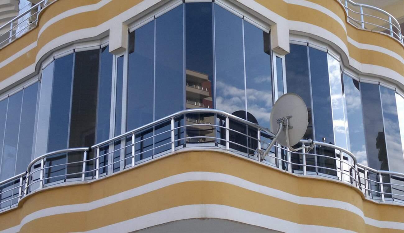 Hareketli Küpeşte Katlanır Cam Balkon Sistemi
